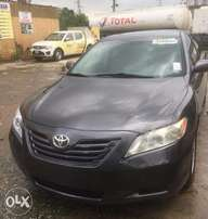 2009 Toyota Camry, very clean and neat with all its accessories intact
