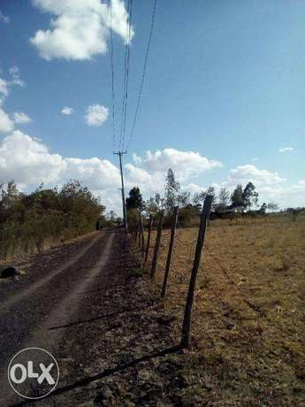 2.8 acres along kiserian isinya road Kiserian - image 2
