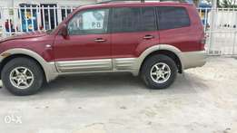 Very sharp Mitsubishi SUV (Montero) for sale at a Giveaway Price!