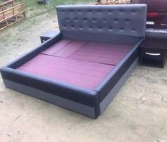 6ft By 6ft Bedframe Bottoned Uplosted Leather,