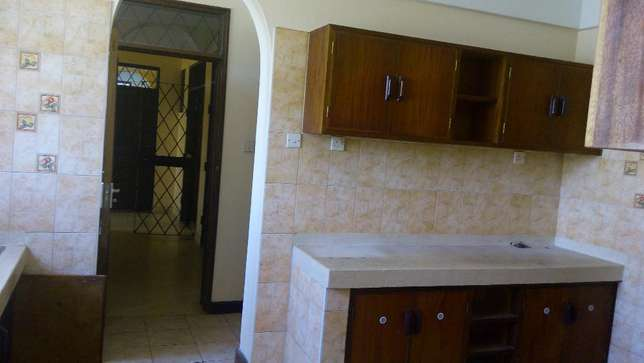Magnificent 3 bedroom modern apartment to let Nyali Mombasa Island - image 3