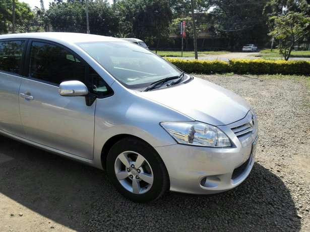 Silver Toyota Auris For Sale. Great Deal!!! Hurlingham - image 6