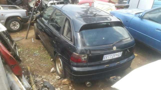 Opel Kadett 200is Stripping for spares. Benoni - image 1