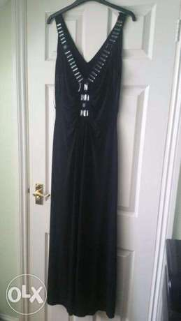 Captivating Black WALLIS Gown, adorned with FRONTAL Stones. SIZE 14 Wuse 2 - image 8