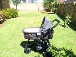 Graco pram, stroller base and car seat