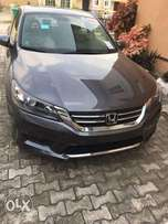 TINCAN cleared almost brand new 2015 Honda Accord LX with rear camera