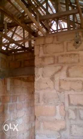 4bedrooms Bungalow with Aluminum roof, all ensuit Benin City - image 6