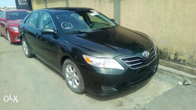 Flawless condition 2010 camry Isolo - image 7