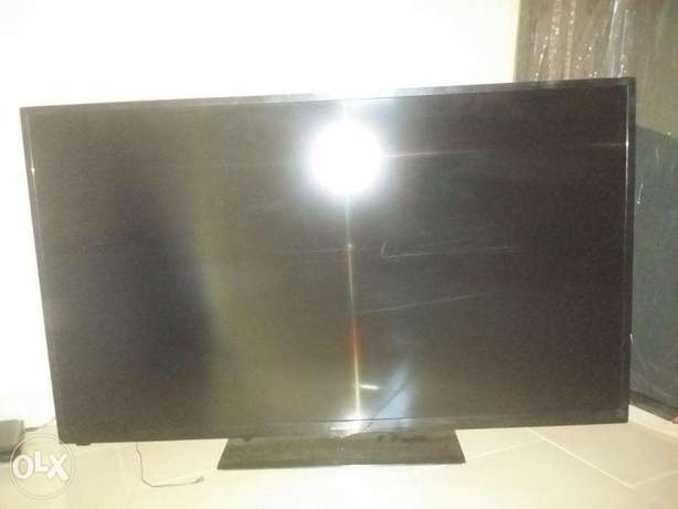 50 inch Hitachi LED tv up for Grabs...AWOOF!! Aja - image 2