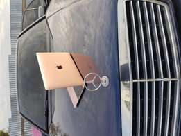 Apple MacBook MMGM2LL/A 12-Inch Core M5 8gb RAM 512GB ssd Rosegold