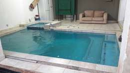 Professional swimming pools builder