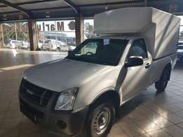 Isuzu Bakkie with space saver canopy for sale