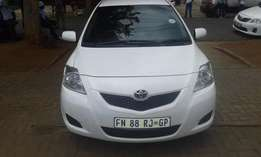2010 Toyota yaris T3 Sedan Colour white