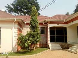 Specious two bedrooms,two bathrooms for rent in Namugongo