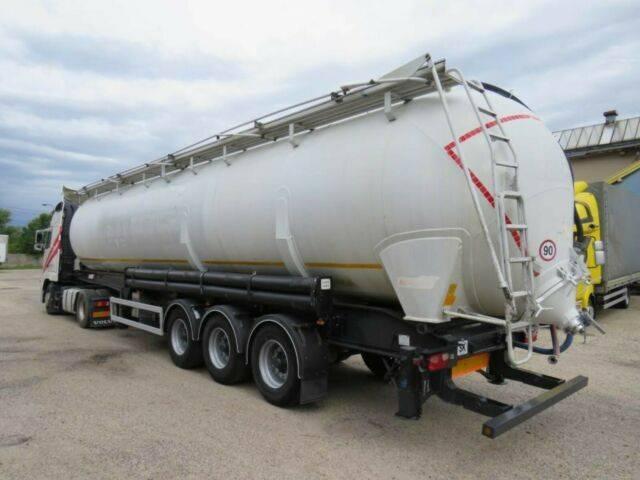 Benalu Powderliner , Kippen , 64m³ - 2008