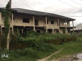 Office, warehouse and living apartment complex for sale