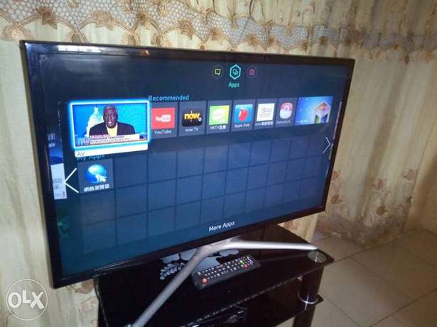 "Recent Ultraslim SAMSUNG F. HD 32"" SMART with built-in Wi-Fi, miracast Alimosho - image 3"