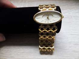 Very beautiful lady bracelet watch from Pulsar