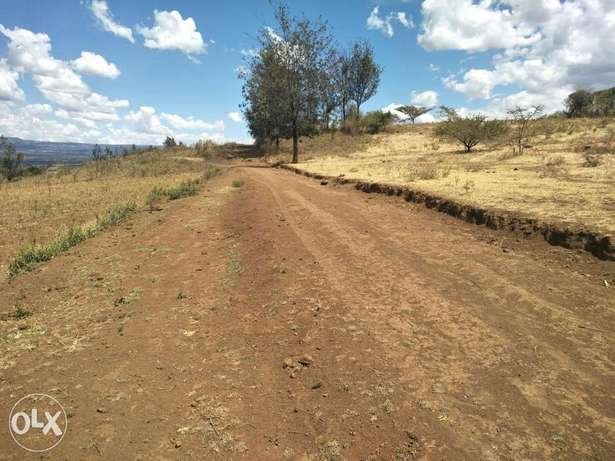 For quick sale plots in kahawa Upendo area 5kms interior from Bahati Nakuru East - image 4