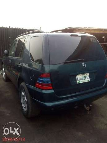 Neatly used 02 Mercedes-Benz ML 320 Ojo - image 2