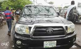 Few months used toyota tacoma 2006 tincan cleared buy n travel