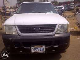 Neatly used FORD Explorer (First Body) Up for grabs!