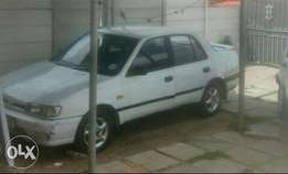 Nissan sentra for sale R25000 negotiable
