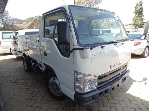 A very clean Isuzu ELF on sale Hurlingham - image 4
