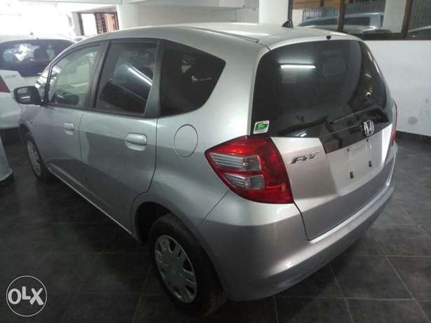 2011 model Honda Fit Silver, white n black all KCP number Mombasa Island - image 2