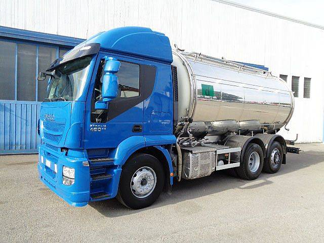 Iveco STRALIS AT 260S46 - 2016