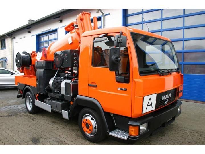 MAN 8.174 4x2 Müller 2,7m³ Saugwagen als Kipper mit ADR/GGVS - 2000