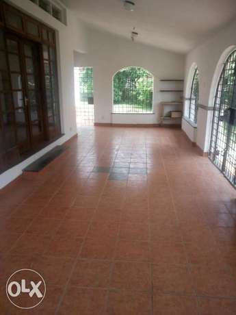 Specious 4br own comp on 1acre rental bungalow in secure Nyali area Nyali - image 3