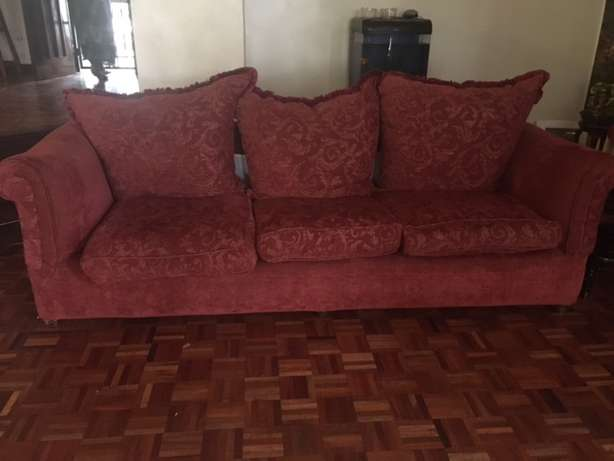 Red 5 piece Sofa Runda - image 1