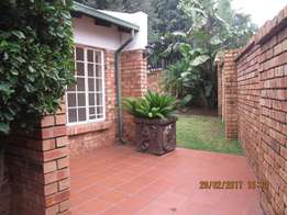 Lovely Townhouse to rent-Die Heuwel Proper