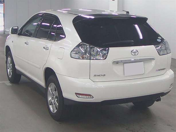 Another neat Pearl White Harrier, with Grey interior. Kes 2,365,800 Nairobi CBD - image 3