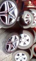 Complete rims with Tyres size 18 (245/45/18)