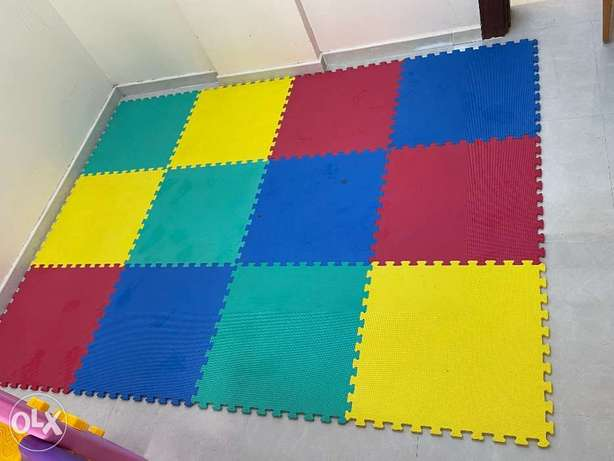 Puzzle Floor Play Mat with Solid Colors 12 tiles from Centerpoint