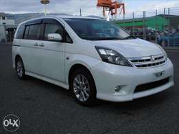 Toyota Isis Platana Year 2010 Valvematic Pearl White KCN Ksh 1.03M