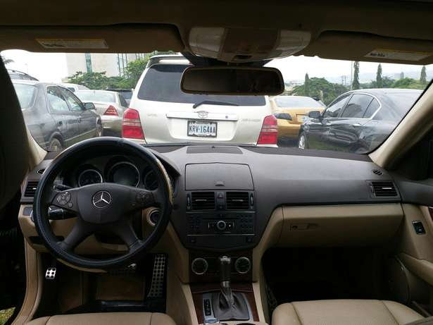 2010 Mercedes Benz C300 4matic Garki 1 - image 7
