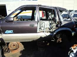 2000 KIA SPORTAGE 4WD Breaking for Spares.