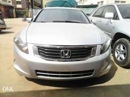 Clean title Toks Honda Accord 08 for sharp sale... Leather v4 engine