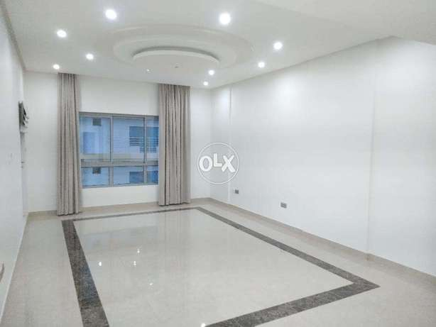 Sea view 2 Beds in Juffair Maids Sea view جفير -  2