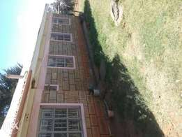Three bedrooms house for rent at roadblock estate in eldoret.