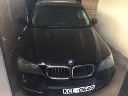 BMW x5 black colour KCL number 2010 model loaded with alloy rims,