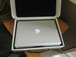 Almost New Apple Macbook Pro core i7, 1.5TB Hdd 8gb Ram Laptop