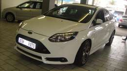 Pre owned 2013 Ford Focus st 3 2.5
