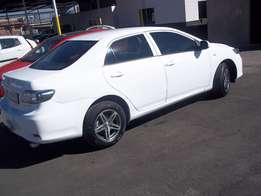 Toyota Corolla Quest 1.6 manual white colour