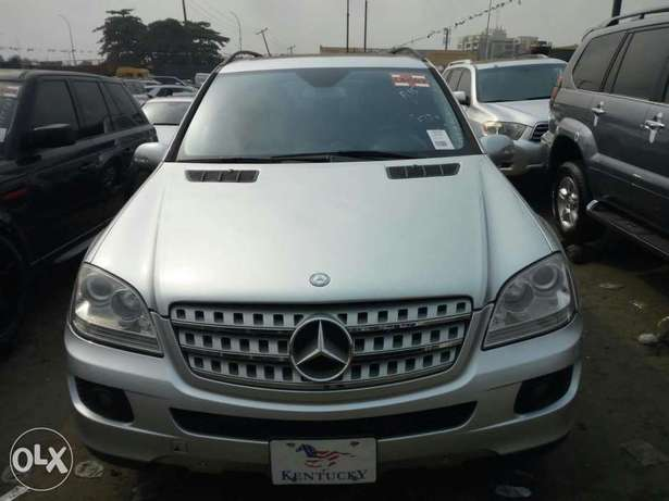 Foreign used 2007 Mercedes Benz Ml350 4matic. Direct tokunbo Apapa - image 3
