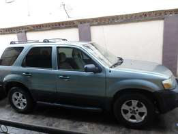 Clean used Ford Escape SUV 2005 for sale (N1mil)
