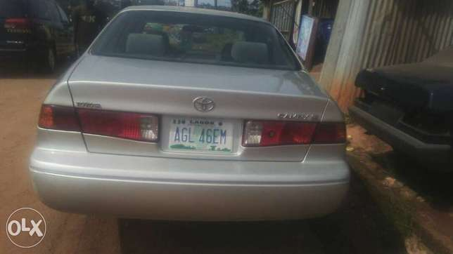 Clean registered Toyota Camry Moudi - image 1